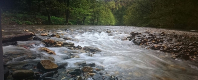 El río Urumea y los cantos rodados.